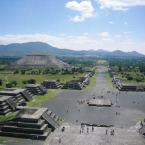 Calle de Los Muertos, Teotihuacan